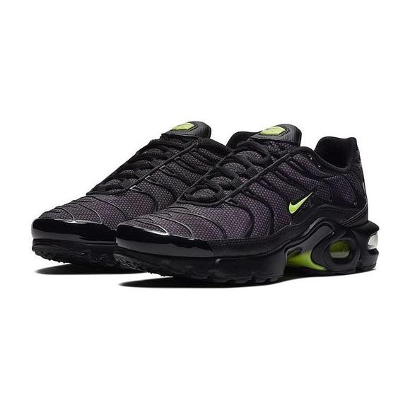 Grade School Shoes: Nike Air Max 24 7 Kids' Running Shoe